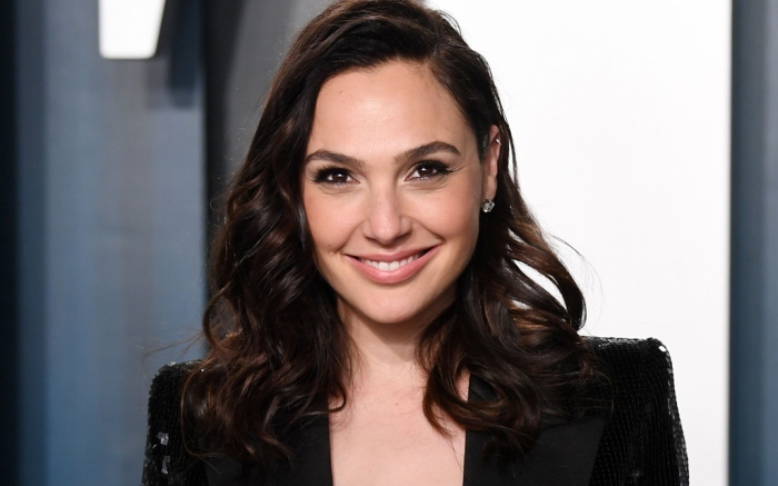 Gal Gadot, celebrity style, red carpet, vanity fair oscar party