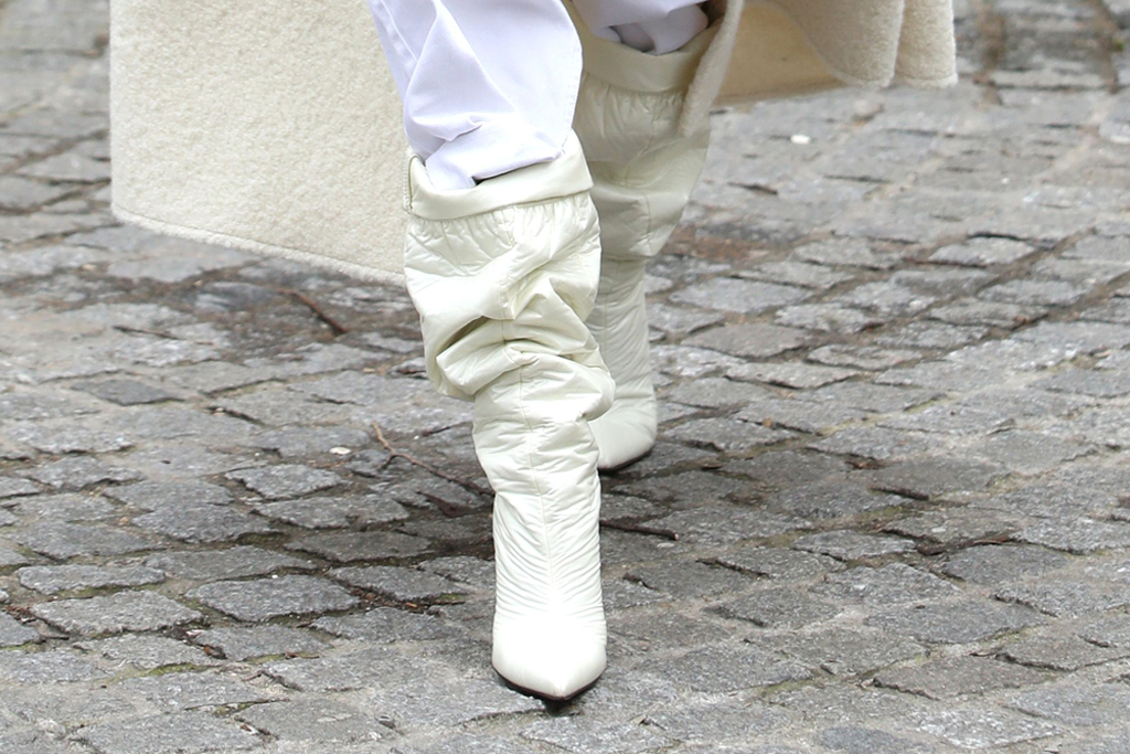 hailey baldwin, paris fashion week, pfw, white, all white, monochrome, white boots, pants