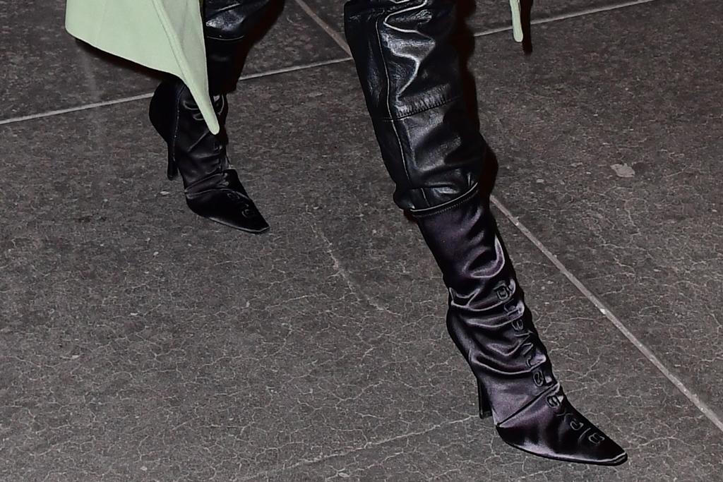 Hailey Baldwin, shoe detail, alexander wang boots, celebrity style, street style, nyc