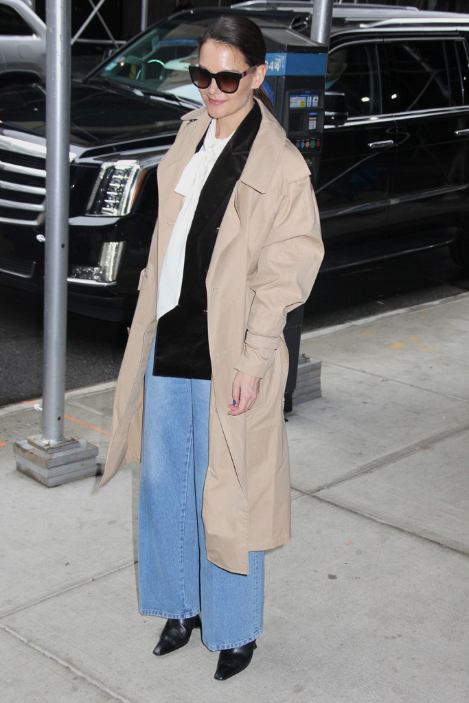 Katie Holmes, baggy jeans, beige trench coat, dorateymur boots, black boots, square toes, celebrity style, street style, Katie Holmes at BuzzFeed, New York, USA - 10 Feb 2020