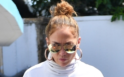 Jennifer Lopez, gym style, celebrity style,