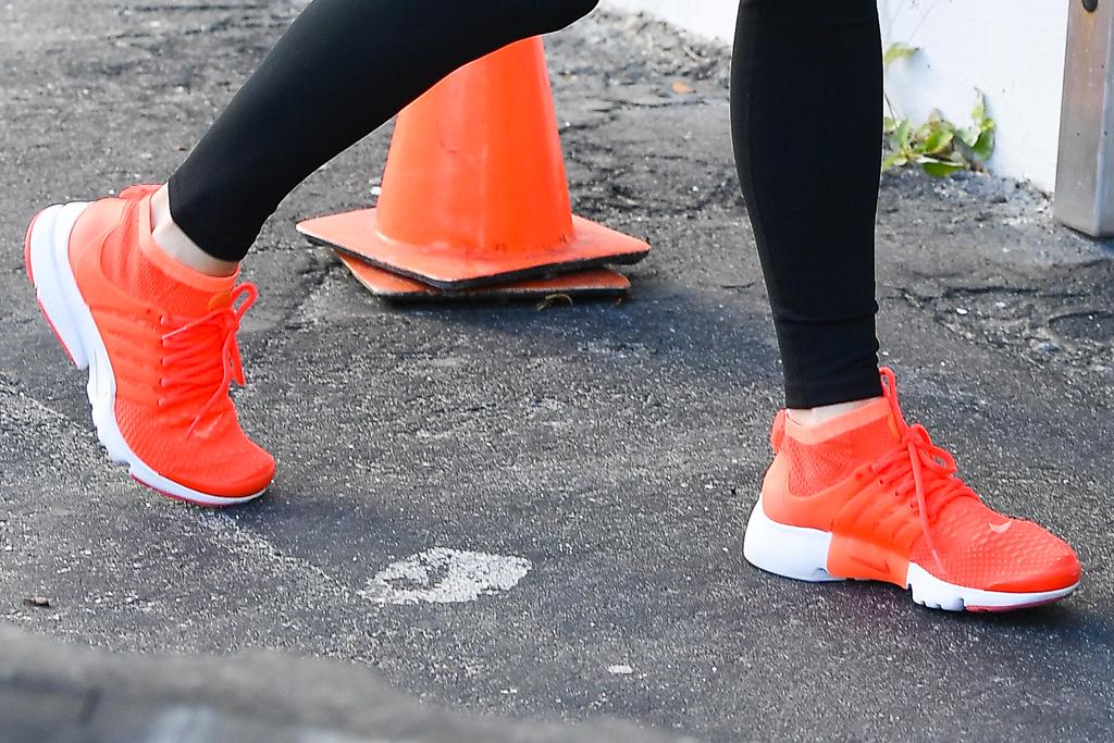 Nike Air Presto , j-lo, jennifer lopez, orange sneakers, miami , shoe detail, gym