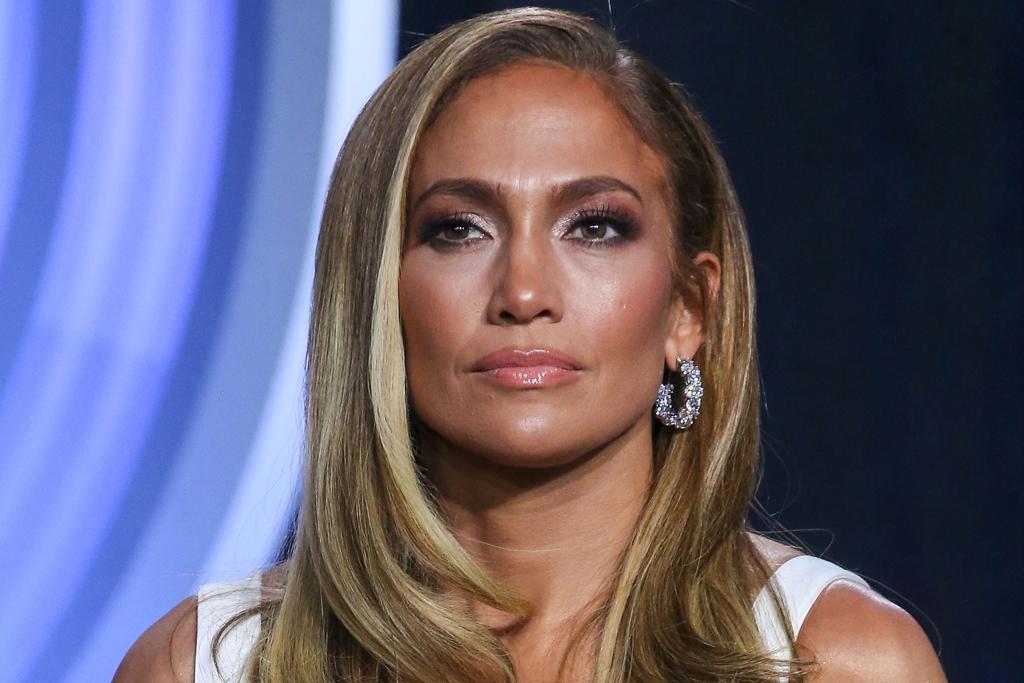 Jennifer Lopez S Jimmy Choo X Timberland Boots On Super Bowl Weekend Footwear News