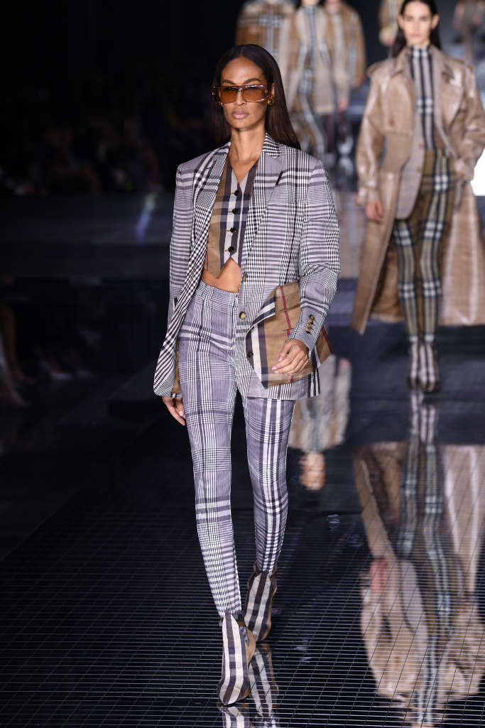 joan smalls, burberry fall 2020