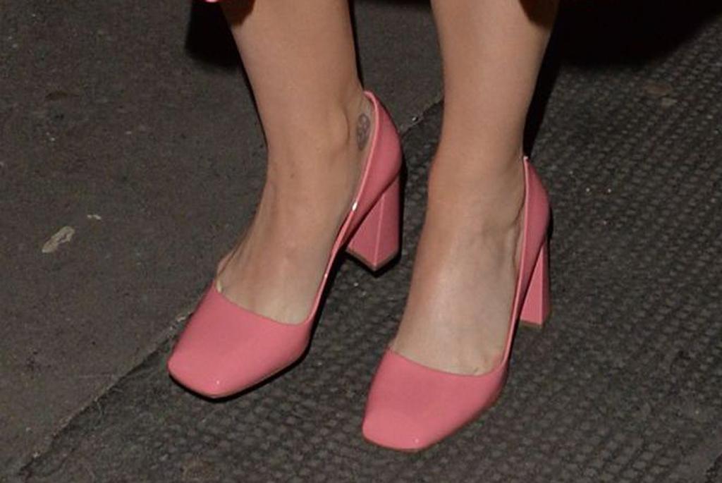 katy perry, london, street style, prada, pumps, pink heels