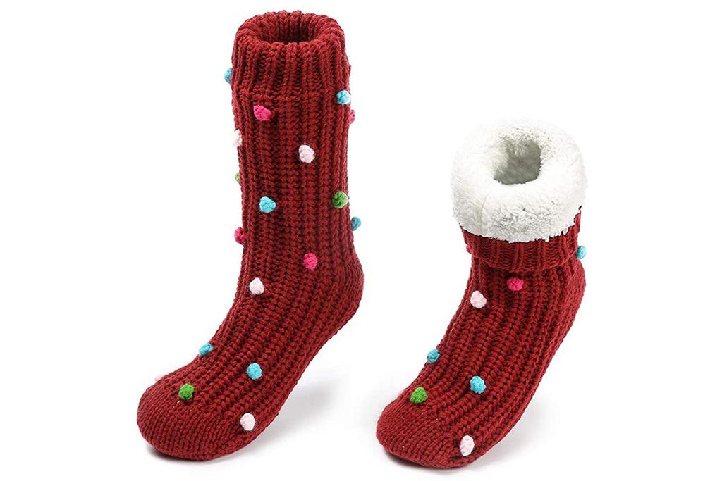 maamgic fuzzy socks
