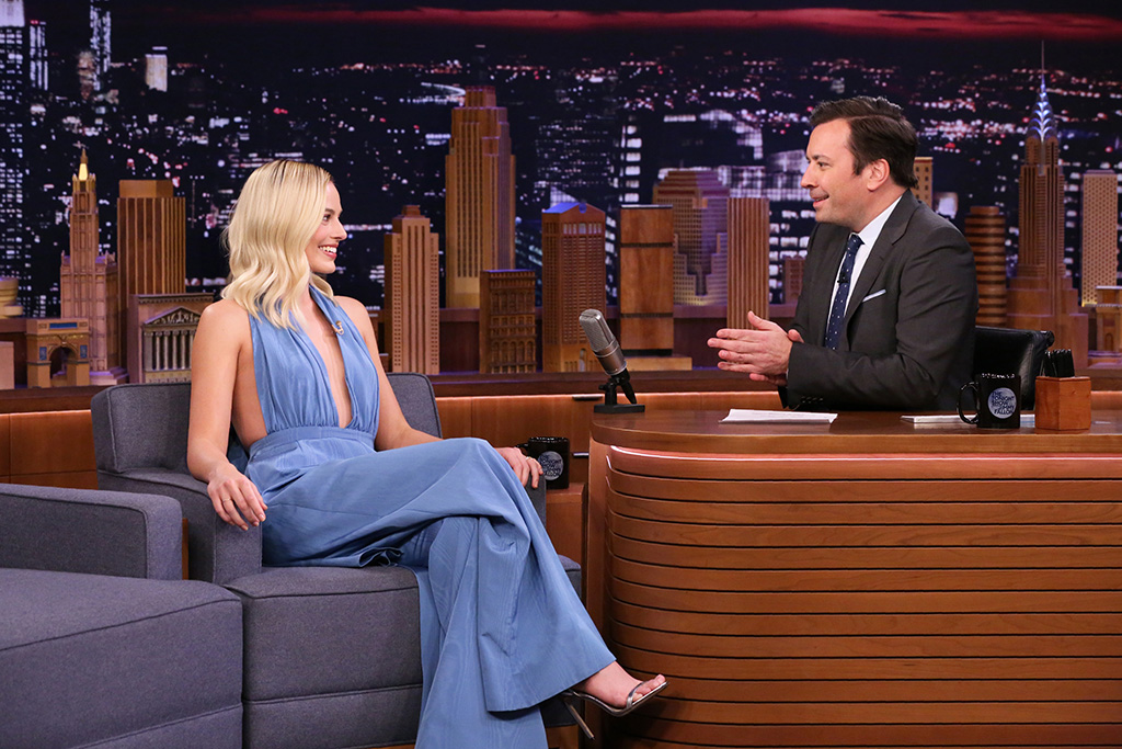 Margot Robbie, jimmy choo minny sandals, oscar de la renta jumpsuit, celebrity style, THE TONIGHT SHOW STARRING JIMMY FALLON -- Episode 1202 -- Pictured: (l-r) Actress Margot Robbie during an interview with host Jimmy Fallon on February 4, 2020 -- (Photo by: Andrew Lipovsky/NBC)