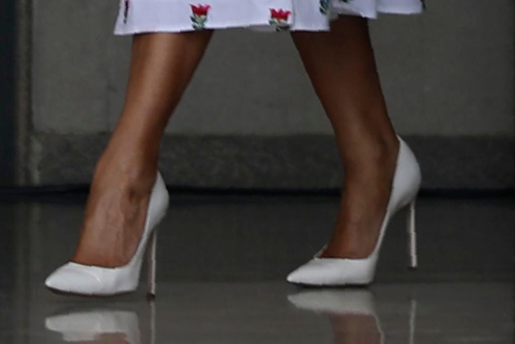 Melania Trump, manolo blahnik bb pumps, celebrity style,