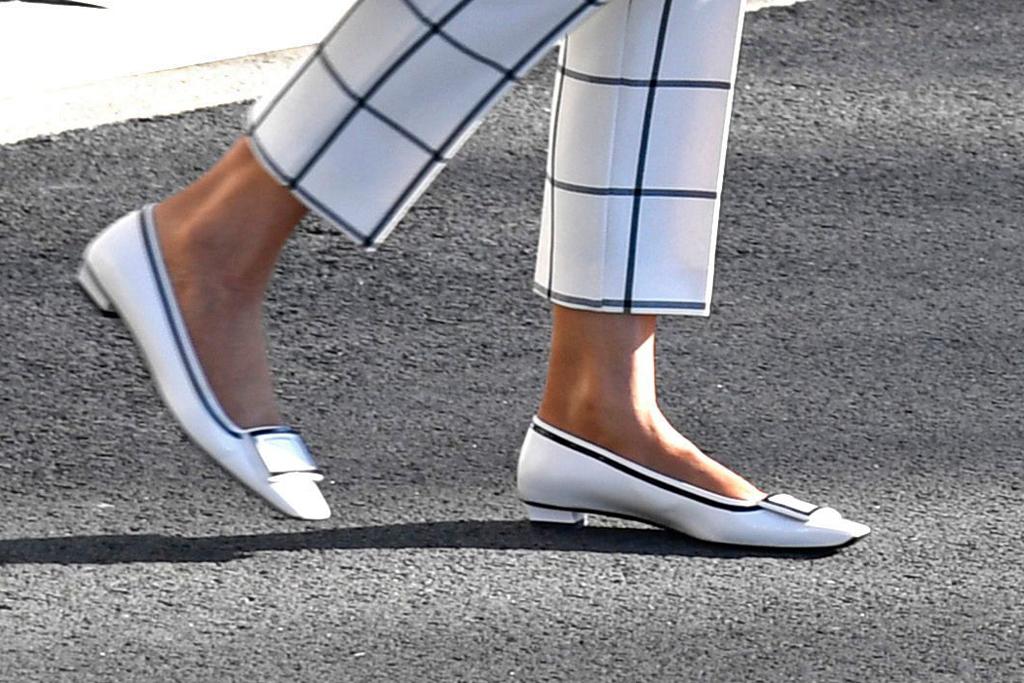 Melania Trump, white flats, roger vivier shoes, washington dc, celebrity style, shoe detail