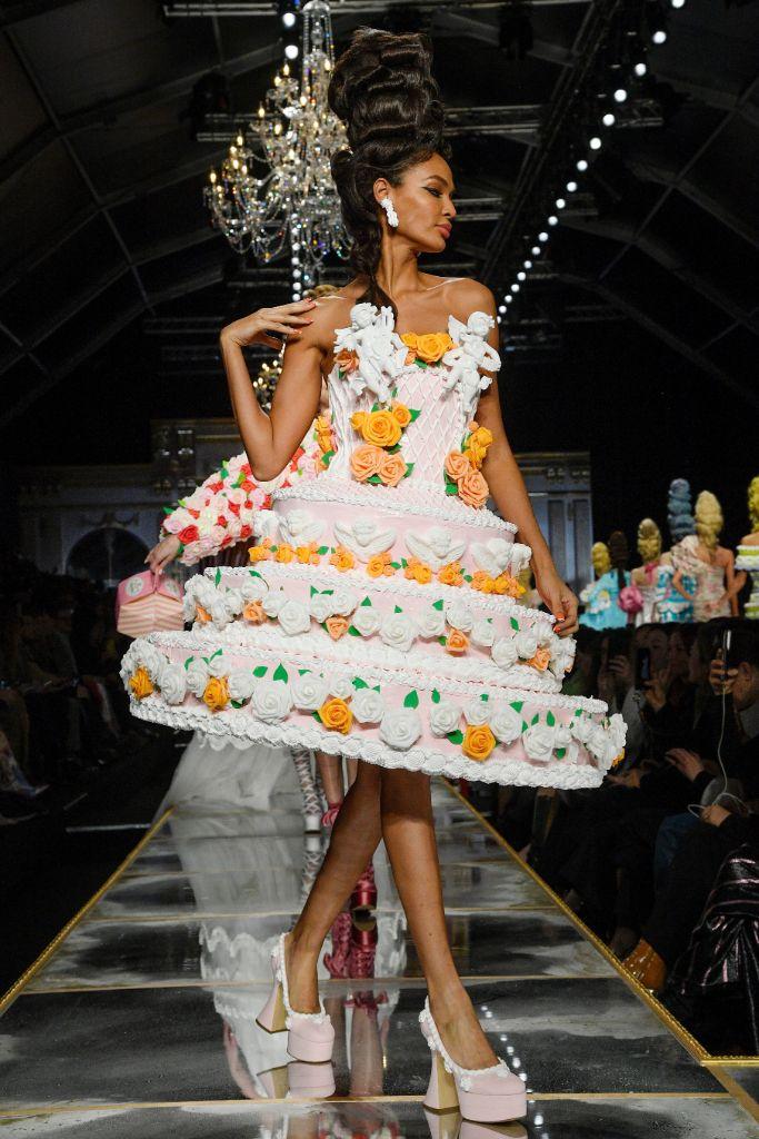 moschino, fall 2020, milan fashion week, joan smalls