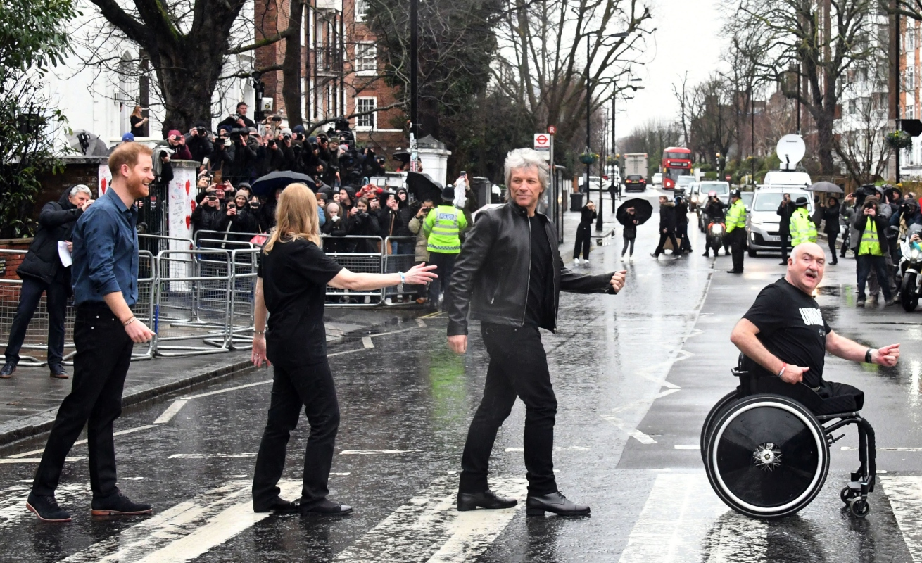 prince harry, abbey road, london, blue, rain, suede shoes, bon jovi