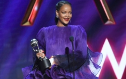 naacp awards, Rihanna wearing Givenchy couture