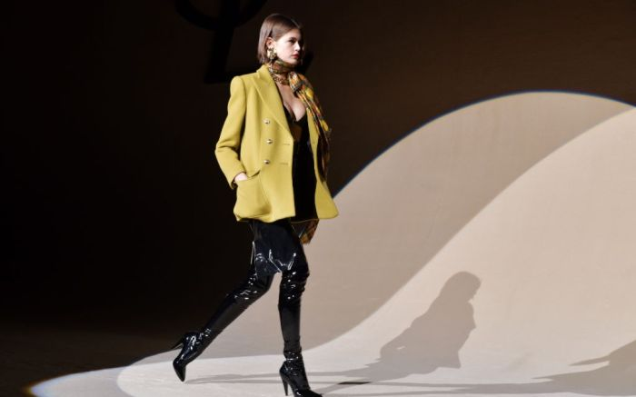 Saint-Laurent-Fall-2020-Runway-Show-Paris-Fashion-Week_10564611j