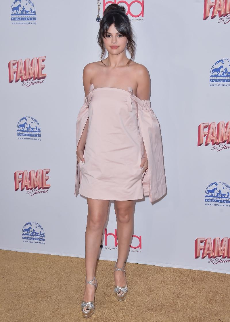 selena gomez, Hollywood Beauty Awards, los angeles, pink dress, silver heels