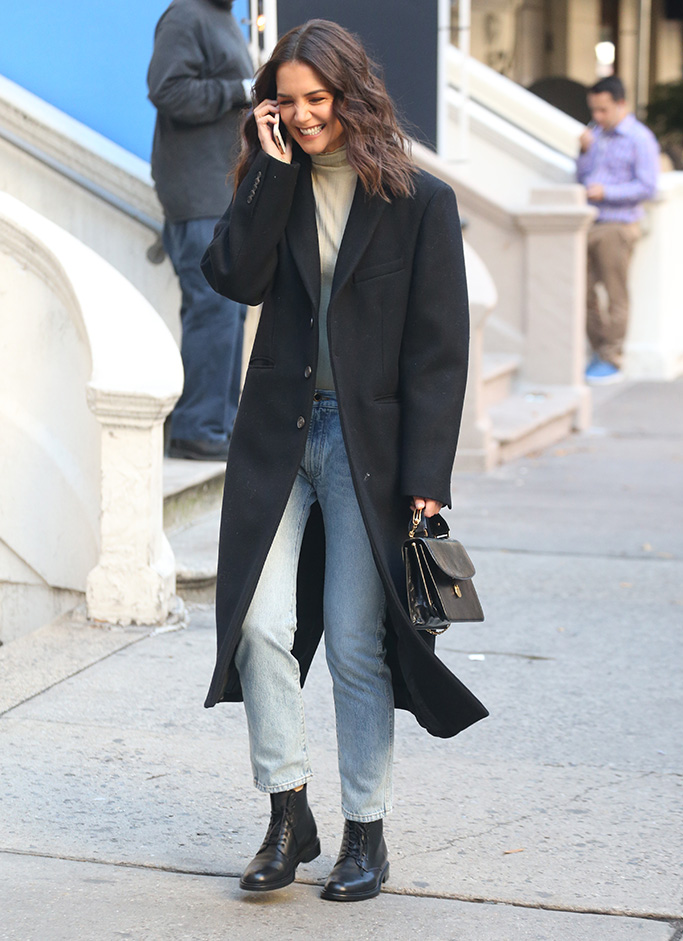 Katie Holmes jeans and boots outfit