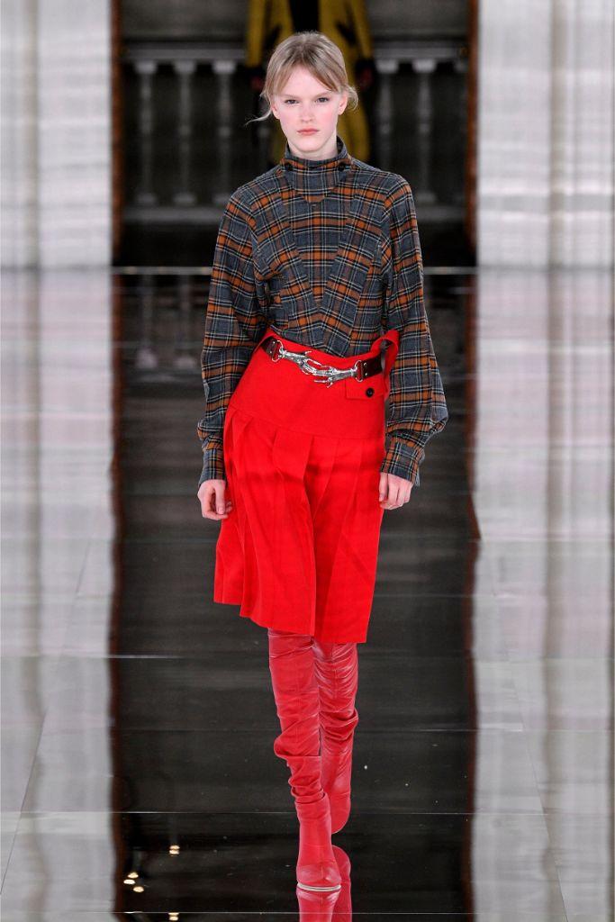 victoria beckham, runway, fall 2020, red boots,