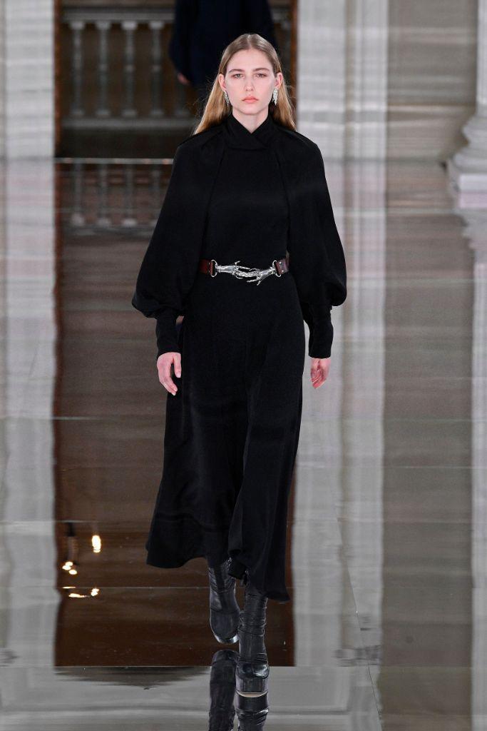 Victoria Beckham, fall 2020, runway, lfw