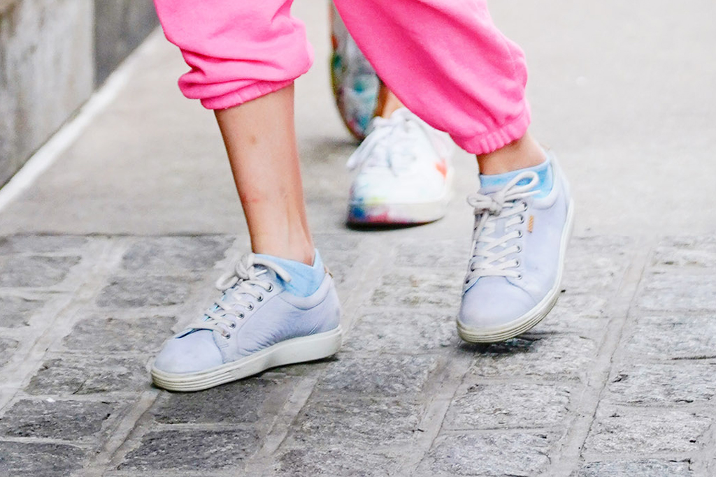 Suri Cruise, sneakers, pink sweats, celebrity style, new york, street style