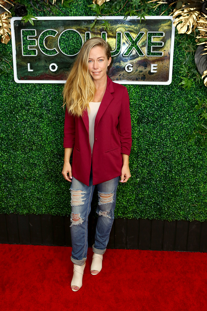 BEVERLY HILLS, CALIFORNIA - FEBRUARY 07: Kendra Wilkinson attends Debbie Durkin's EcoLuxe Lounge Honoring Film Award Nominees 2020 at The Beverly Hilton Hotel on February 07, 2020 in Beverly Hills, California. (Photo by Tasia Wells/Getty Images for EcoLuxe Lounge)