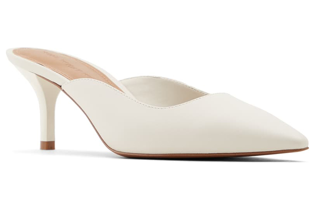 White Mules, who what wear