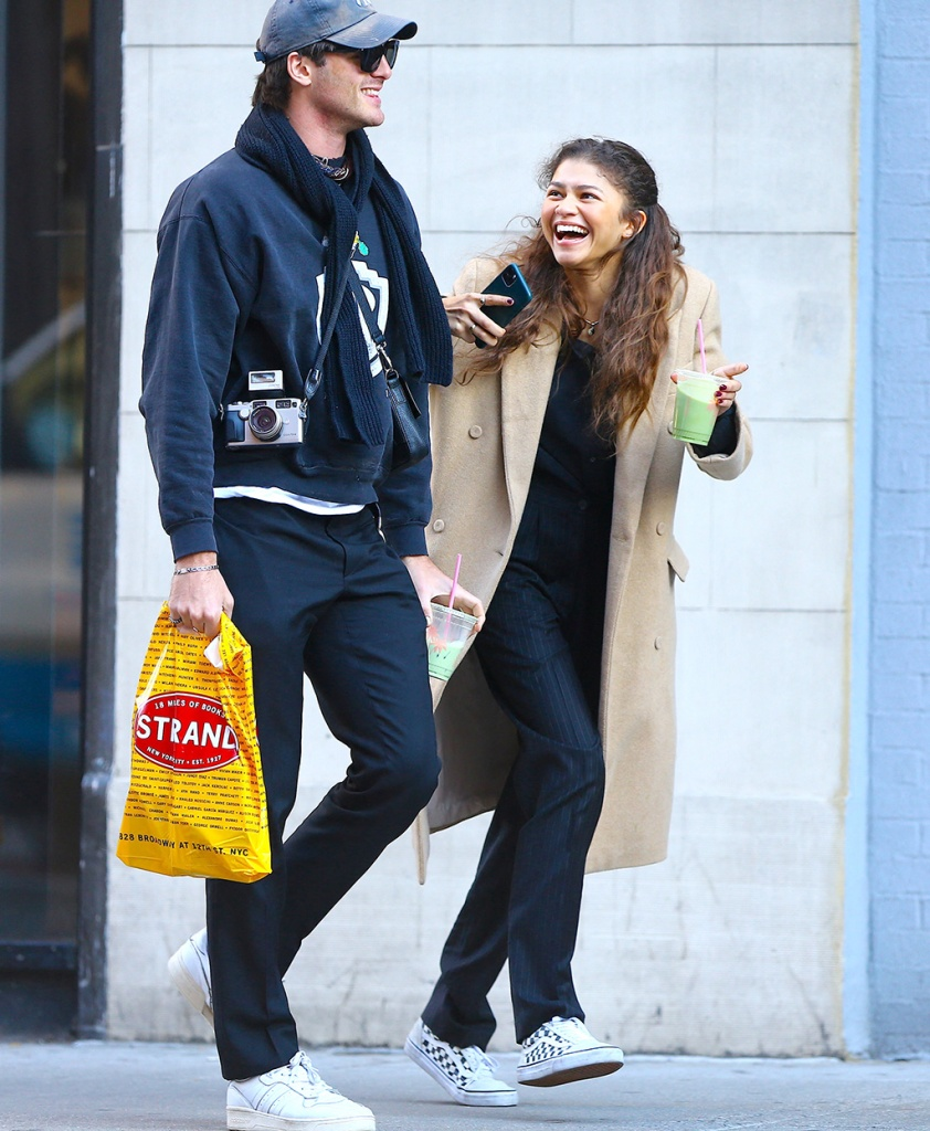 jacob elordi, zendaya, nyc, street style, couple, euphoria, Actress Zendaya with a male friend are having fun on the street in Soho, New York, NY on February 3, 2020.Photo by Dylan Travis/ABACAPRESS.COMPictured: ZendayaRef: SPL5145198 030220 NON-EXCLUSIVEPicture by: AbacaPress / SplashNews.comSplash News and PicturesLos Angeles: 310-821-2666New York: 212-619-2666London: +44 (0)20 7644 7656Berlin: +49 175 3764 166photodesk@splashnews.comUnited Arab Emirates Rights, Australia Rights, Bahrain Rights, Canada Rights, Finland Rights, Greece Rights, India Rights, Israel Rights, South Korea Rights, New Zealand Rights, Qatar Rights, Saudi Arabia Rights, Singapore Rights, Thailand Rights, Taiwan Rights, United Kingdom Rights, United States of America Rights