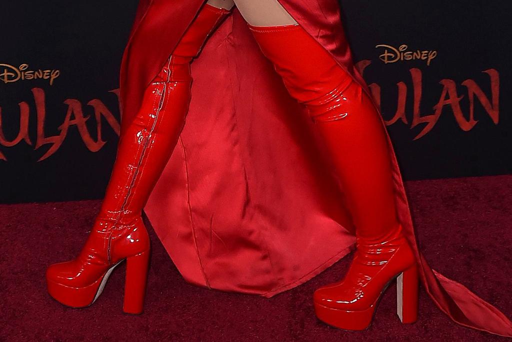 christina aguilera, pink, red, red boots, mulan, Galia Lahav