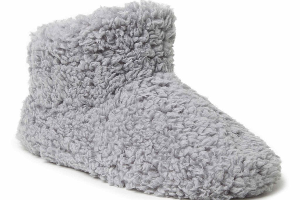 dearfoams, slipper bootie, work from home, fashion, style diary