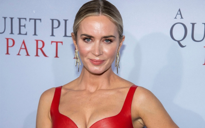 emily blunt, a quiet place part 2, red dress, heels, alexander mcqueen