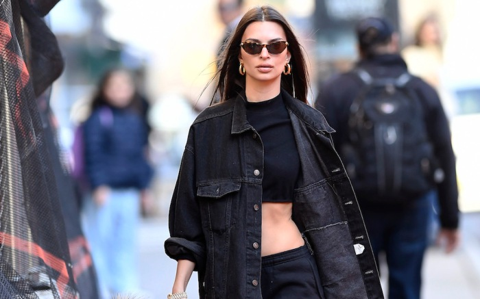 Emily Ratajkowski steps out walking her dog after posting on her instagram that she is self-quarantine amid Coronavirus Pandemic in New York CityPictured: Emily RatajkowskiRef: SPL5156575 130320 NON-EXCLUSIVEPicture by: Elder Ordonez / SplashNews.comSplash News and PicturesLos Angeles: 310-821-2666New York: 212-619-2666London: +44 (0)20 7644 7656Berlin: +49 175 3764 166photodesk@splashnews.comWorld Rights, No Portugal Rights