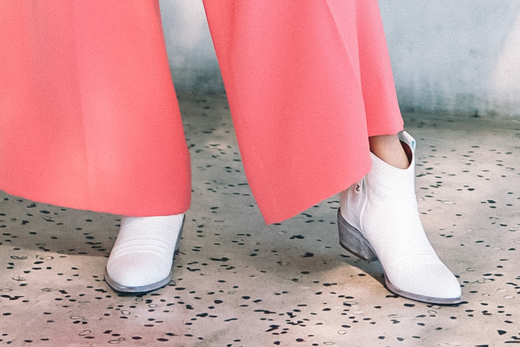 jamie chung, zodiac shoes, boots, pink, white