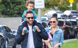 john legend family, chrissy teigen