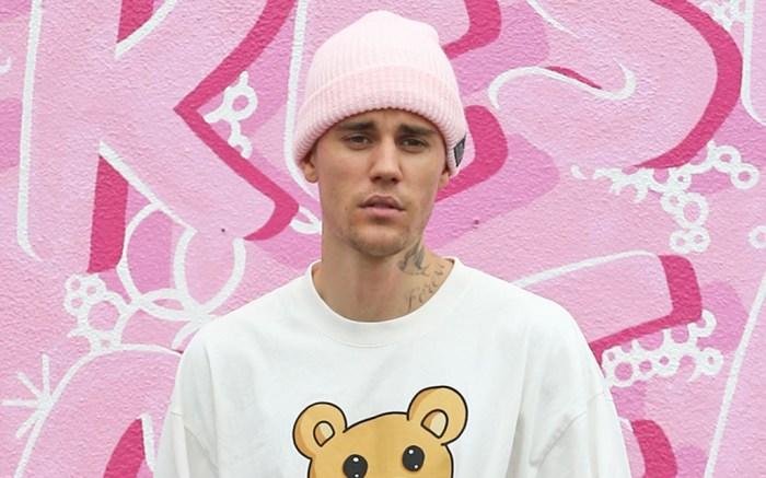 justin-bieber-pink-wall