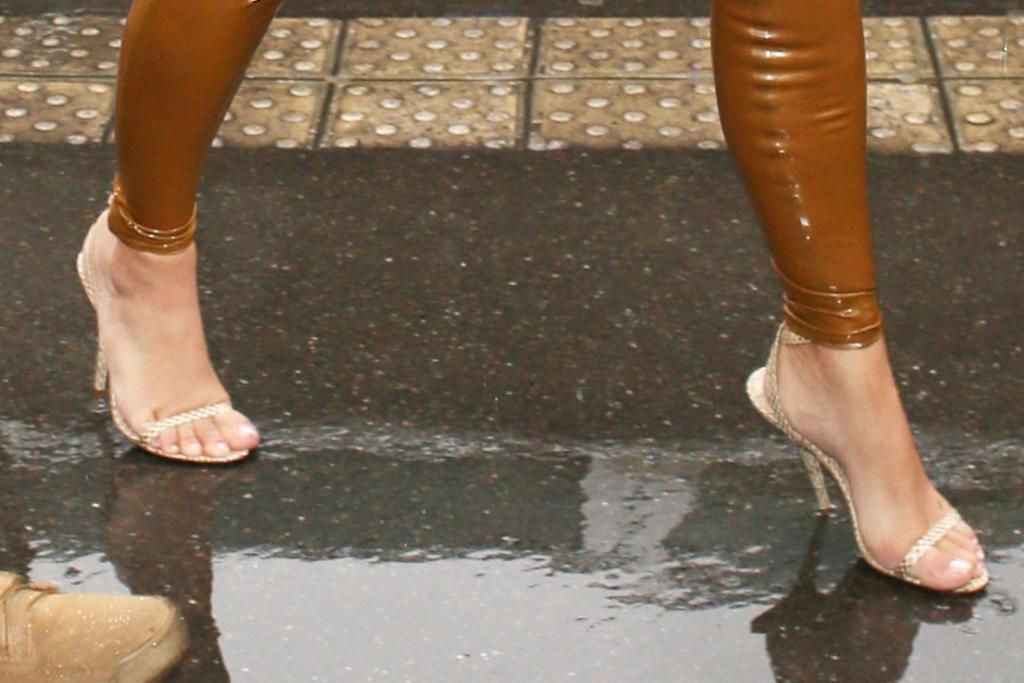 Kim Kardashian, strappy sandals, street style, pfw, fall 2020, pedicure, shoe style, toes,
