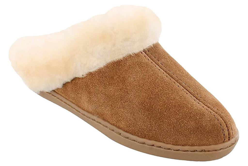 Minnetonka Women's Sheepskin Mule Moccasin Slipper