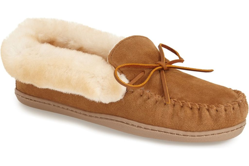 minnetonka moccasin, slippers, work from home, fashion