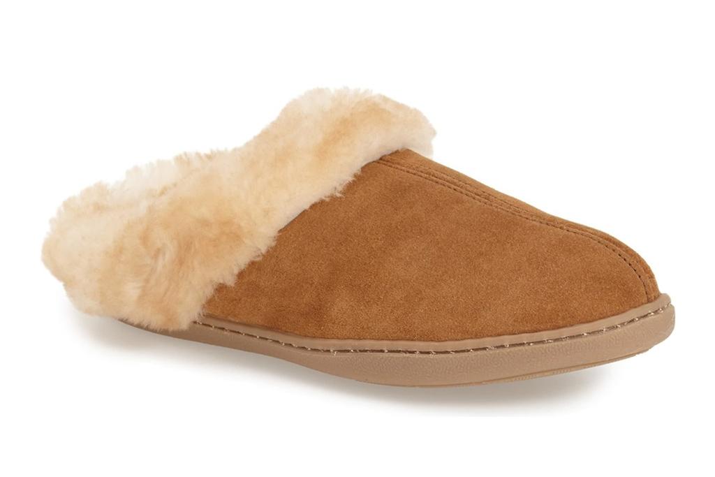 minnetonka slippers, brown