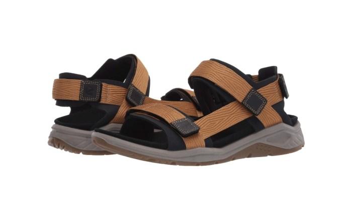 most-comfortable-mens-walking-sandals