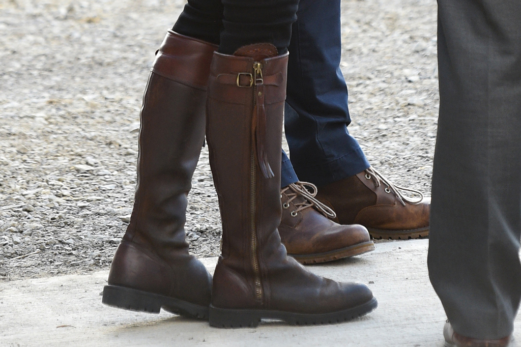 Kate Middleton, penelope chilvers, brown boots, celebrity style, royal fashion, ireland