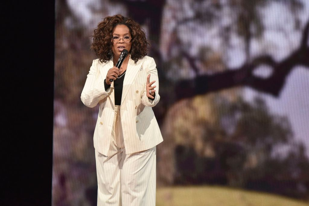 "Oprah Winfrey, falls, high heels, makes opening remarks during ""Oprah's 2020 Vision"" tour at the Forum, in Inglewood, CalifOprah's 2020 Vision Tour - LA, Inglewood, USA - 29 Feb 2020"