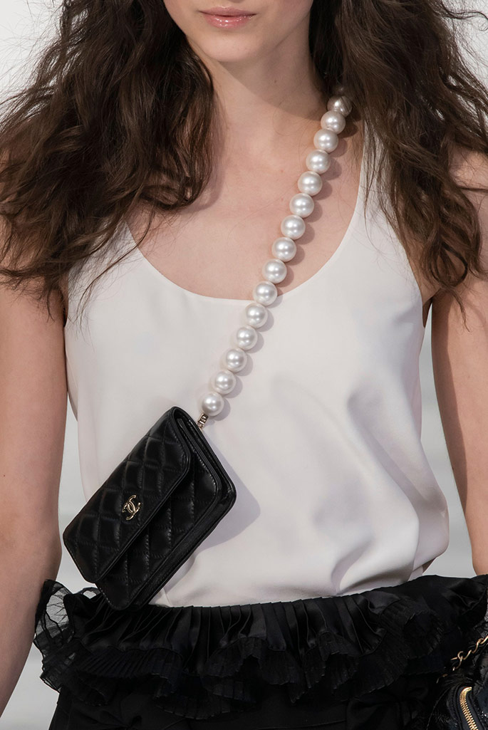 chanel, pearls