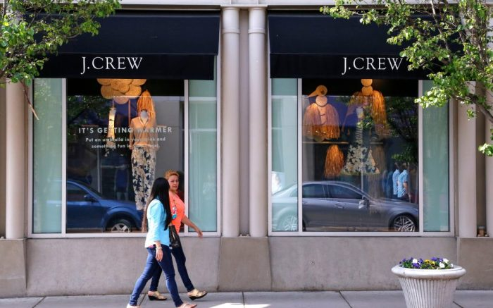 J. Crew Shows the J. Crew store in the Shadyside section of PittsburghJ Crew, Pittsburgh, USA