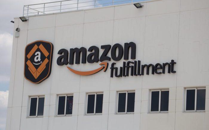 Amazon warehouse, san fernando, madrid, coronavirus