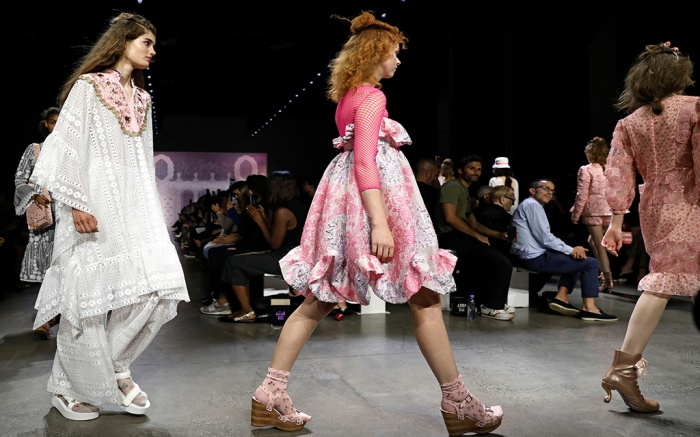 socks and sandals trend, anna sui spring 20, nyfw