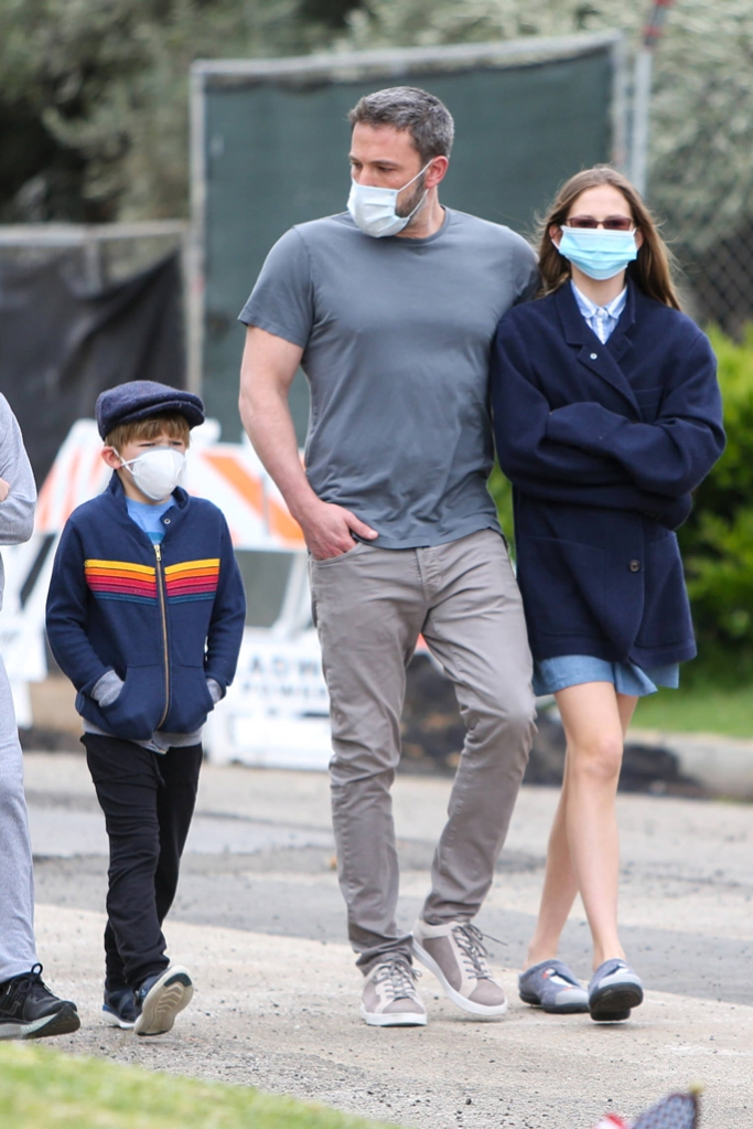 ben affleck, kids, celebrity style, kenneth cole sneakers, sustainable shoes, , los angeles, april 2020, Sam Affleck, Ben Affleck and Violet Affleck
