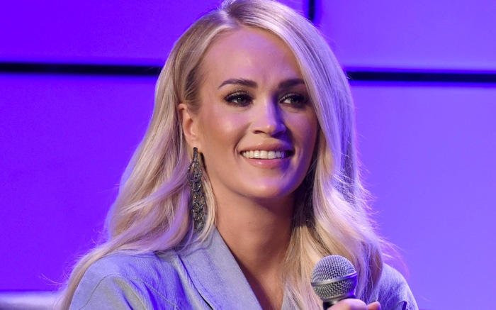 carrie-underwood-hair-earrings