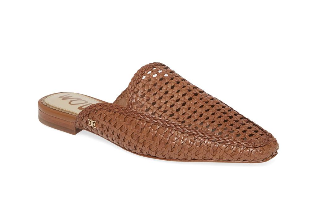 carrie bradshaw wfh style, woven mules, sam eldelman shoes