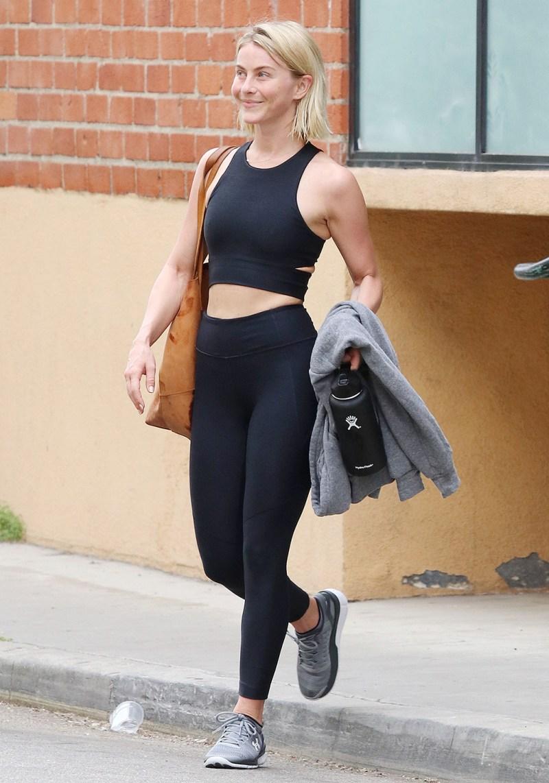 Celebrities Wearing Leggings Photos Of Jennifer Lopez More Footwear News