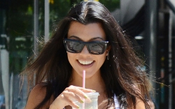 kourtney kardashian, glasses, green juice