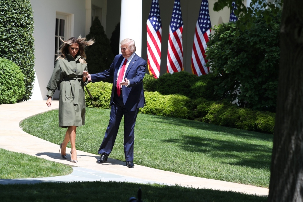 melania trump, donald trump, earth day, pumps, green, dress, tree