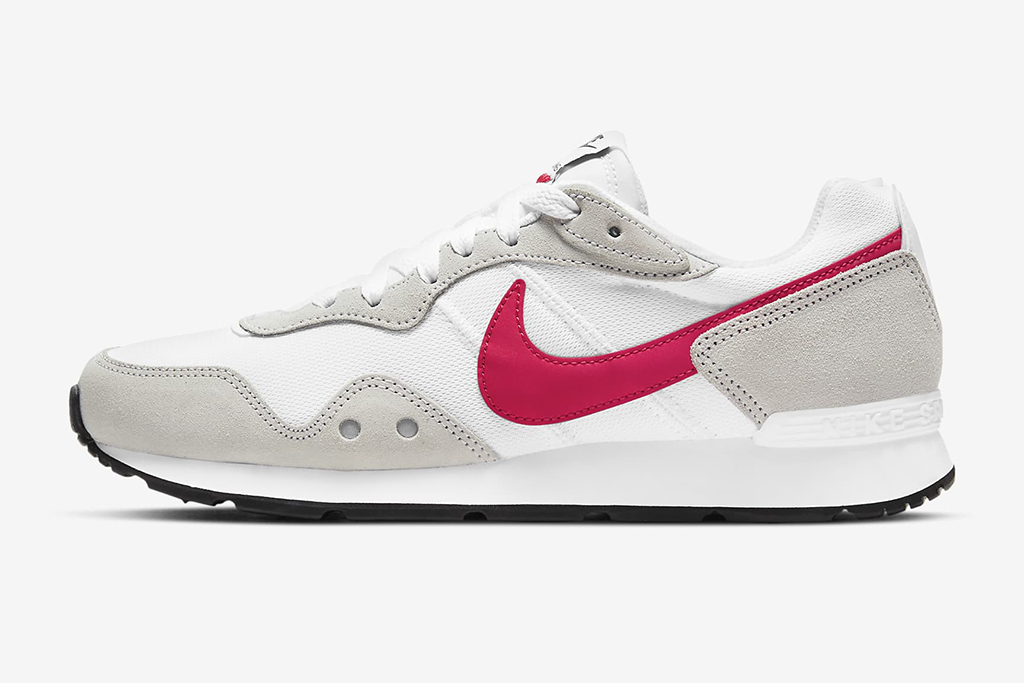 Nike venture runner, mother's day sneaker gifts